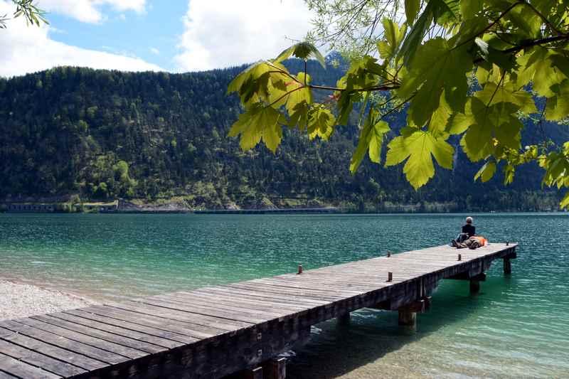 Am Achensee wandern und im See baden!