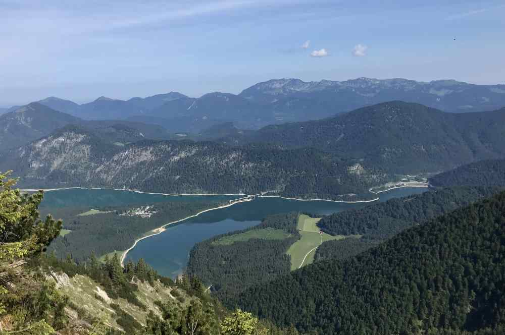 """Der Sylvensteinsee bei Bad Tölz, Drehort """"Gipfelstürmer - Das Berginternat"""""""
