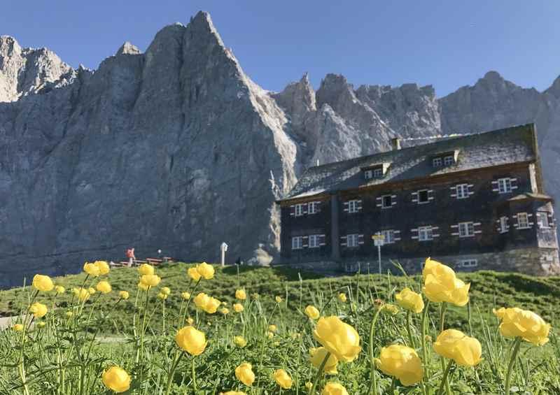 Das Ziel der Tour: Die Falkenhütte im Karwendelgebirge