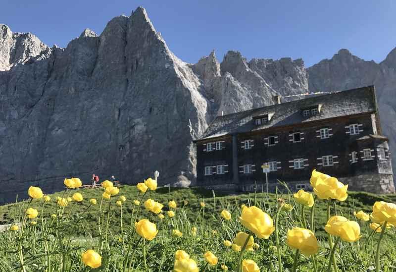 Direkt vom Gasthof zur Post in Hinterriß zur Falkenhütte im Karwendel wandern
