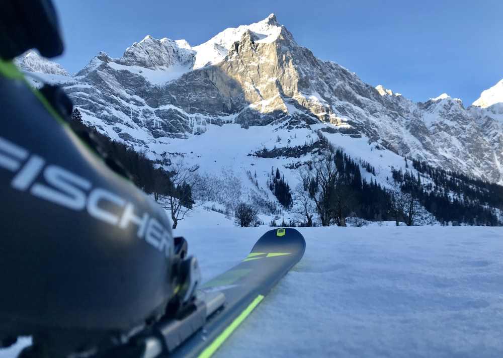 Wahrlich beeindruckend: Die Spritzkarspitze beim Start der Hochglück Skitour im Karwendel