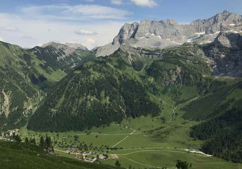Vom Hohljoch in die Eng wandern auf der Karwendeltour