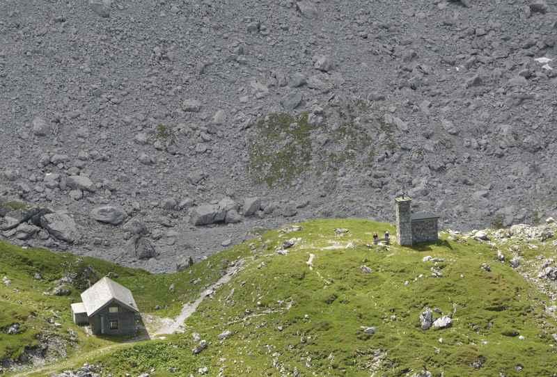 Auch eine kleine Kapelle steht bei der Lamsenjochhütte, hier führt der Aufstieg zum Lamsenjoch Klettersteig vorbei