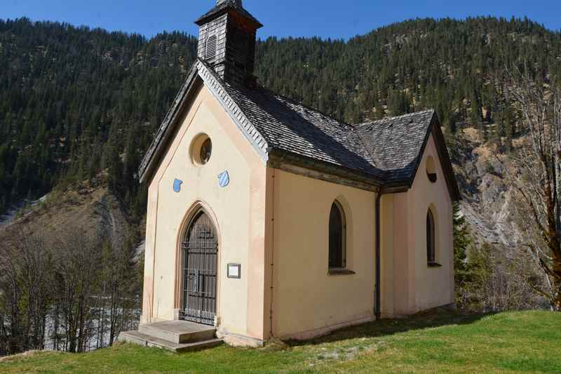 Die kleine Kapelle oberhalb von Vorderriss im Karwendel