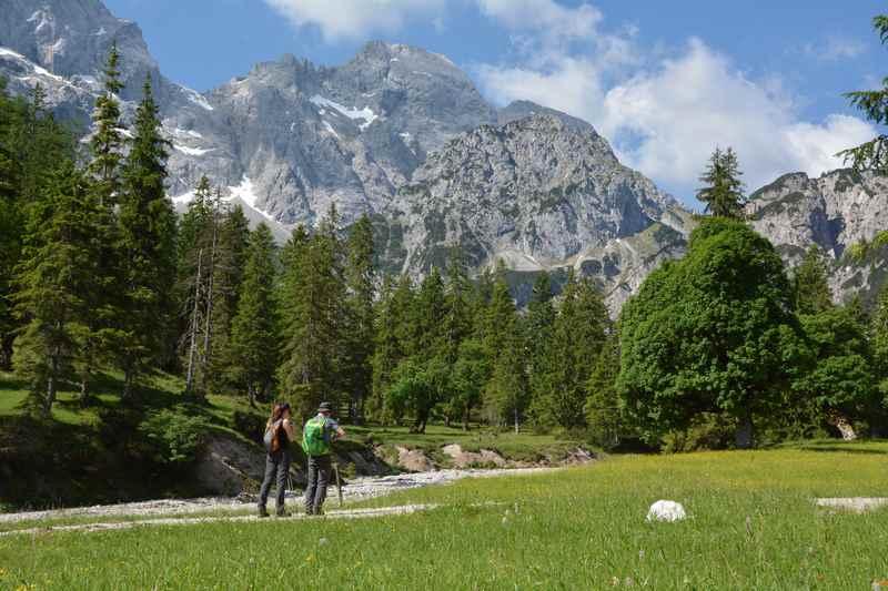 Durch das Rohntal im Karwendel wandern