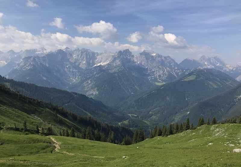 Die Karwendeltour König Ludwig - auf den königlichen Spuren kommen Sie zu diesem schönen Blick auf das Karwendel