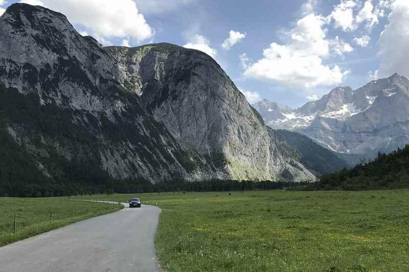 Die Fahrt auf der Mautstrasse Hinterriß Eng ist ein Genuß