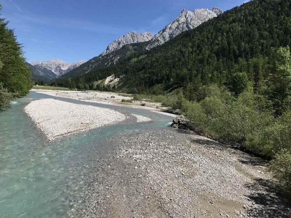 Der Rißbach bei Hinterriss im Karwendel - ähnlich der Isar