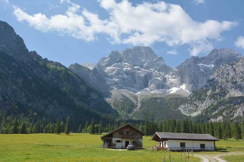Rontal: So idyllisch liegt die Rontalalm im Karwendel