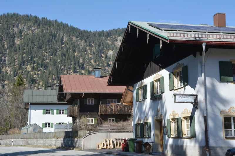 Am Ortsrand von Vorderriss steht heute noch die alte Grenzstation