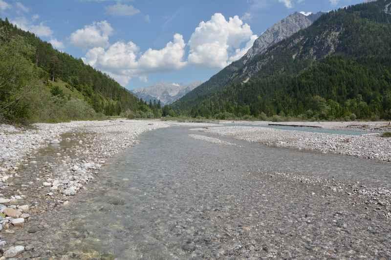 Durch das wildromantische Rißtal mountainbiken von Vorderriß nach Hinterriß und in die Eng