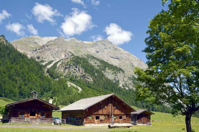 Großer Ahornboden mit Engalm und Karwendel