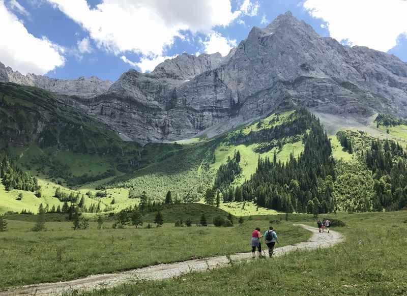 Am großen Ahornboden wandern in den Enger Grund wandern - auch mit Kindern geeignet