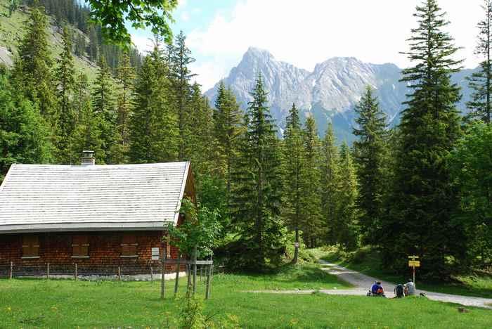 Der kleine Ahornboden ist ein besonders schönes Ziel zum Mountainbiken im Karwendelgebirge