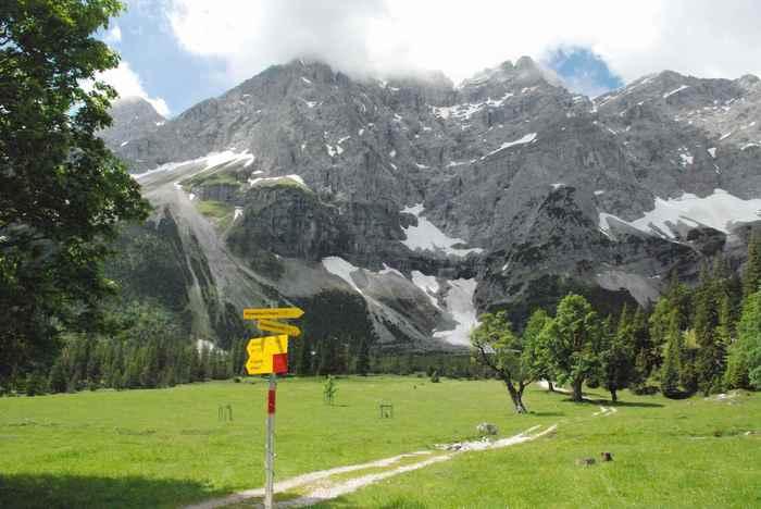 kleiner Ahornboden wandern? - vom Naturdenkmal hinauf zum Hochalmsattel in Richtung Karwendelhaus