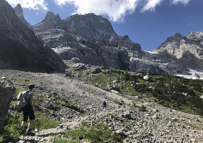 Rontal Tortal Wanderung: Hinauf zur Torscharte wandern im Karwendel