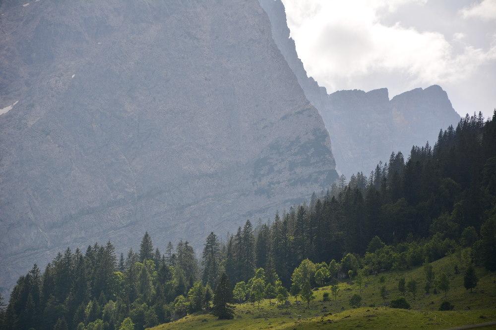 Viele schöne Wanderwege laden zum Wandern am Großen Ahornboden