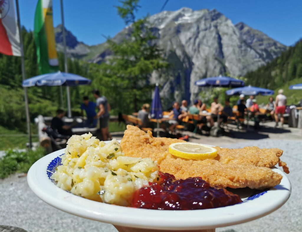 Das beliebte Schnitzel - mit viel Ausblick! Ist die Portion groß genug für deinen Hunger?