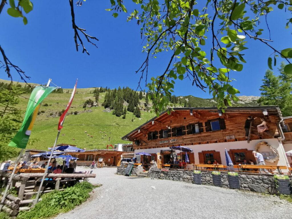 Die Binsalm Wanderung - leichte Tour zum Wandern mit Kindern, tolles Hüttenziel im Karwendel