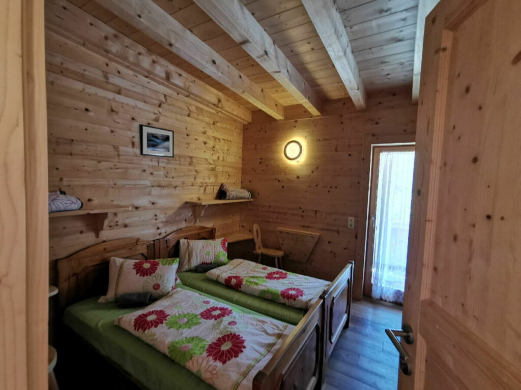 Das ist eines der Binsalm Zimmer - schön oder?