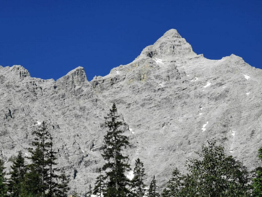 Blick zur Birkkarspitze - höchster Berg im Karwendel