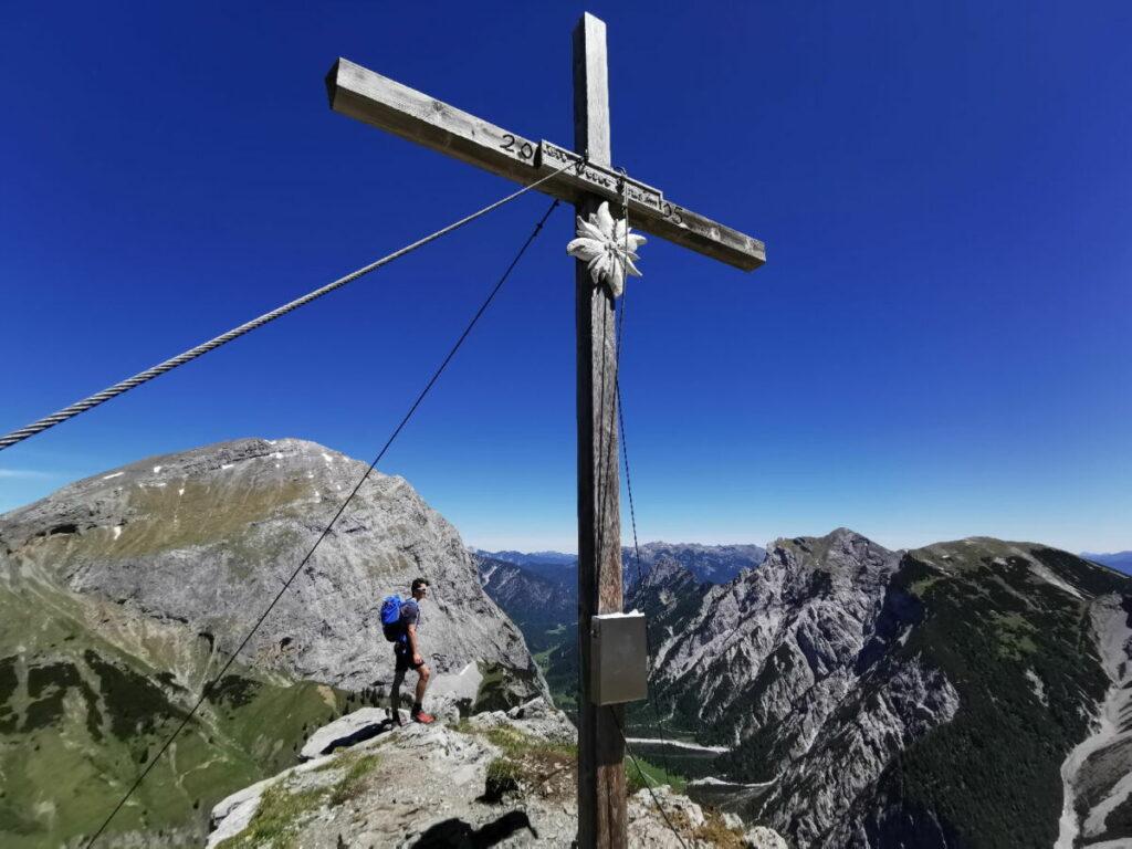 So schön ist der Ausblick auf dem Hahnkampl Gipfel