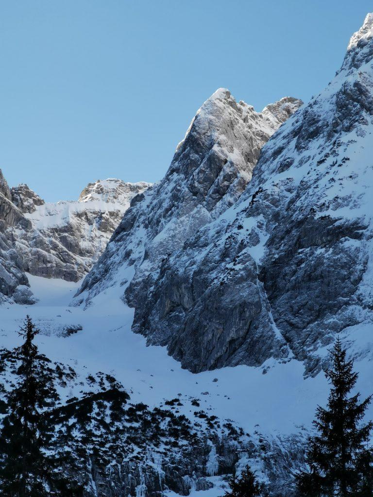Anspruchsvolle Hinterriss Skitour - auf´s Falkenkar