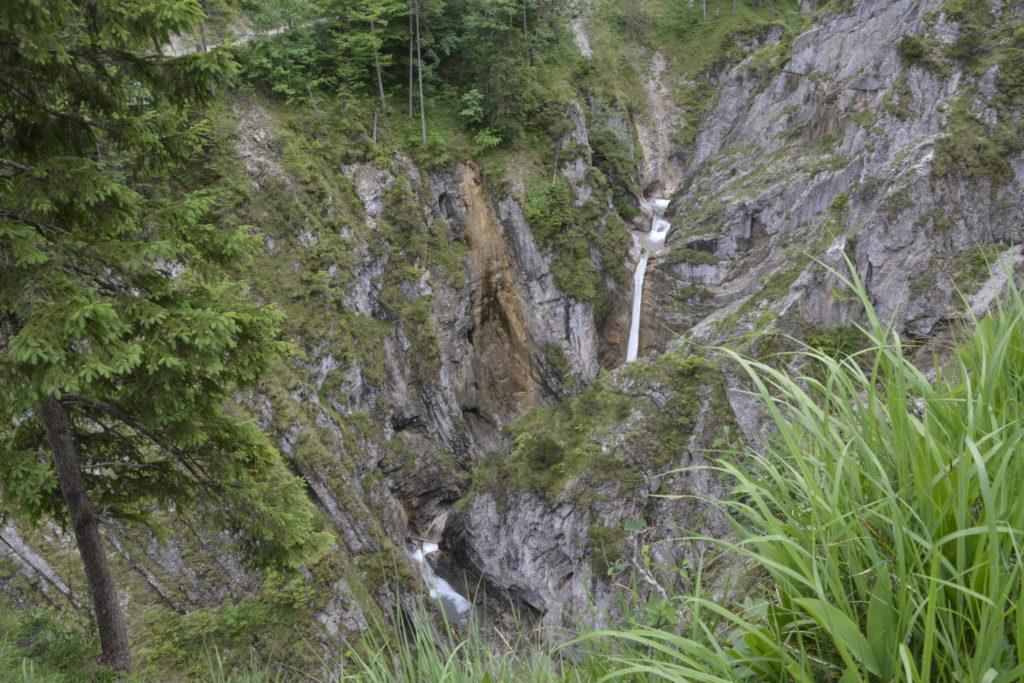 Der Jungfernsprung im Karwendel - Aussicht auf die Klamm am Eingang des Tortals