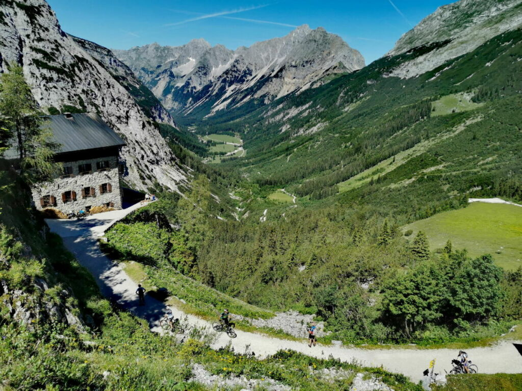 So schön liegt das Karwendelhaus