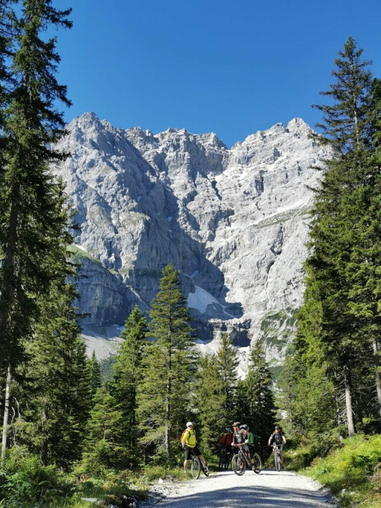 Karwendelhaus MTB Tour - kurz unterhalb vom Kleinen Ahornboden