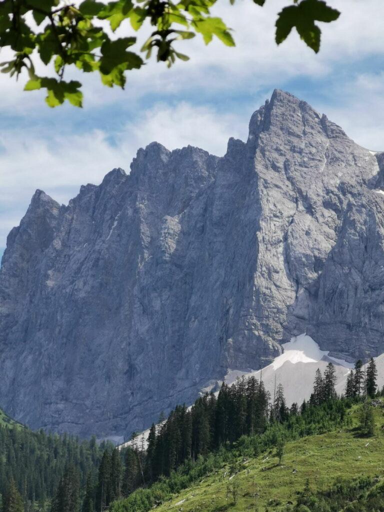 Kleiner Ahornboden Aussicht: Die berühmte Herzogkante und die Laliderer Wände