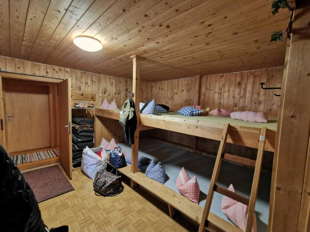 Moarhütte Engalm: Zum Schlafen ins Lager in der urigen Hütte im Karwendel