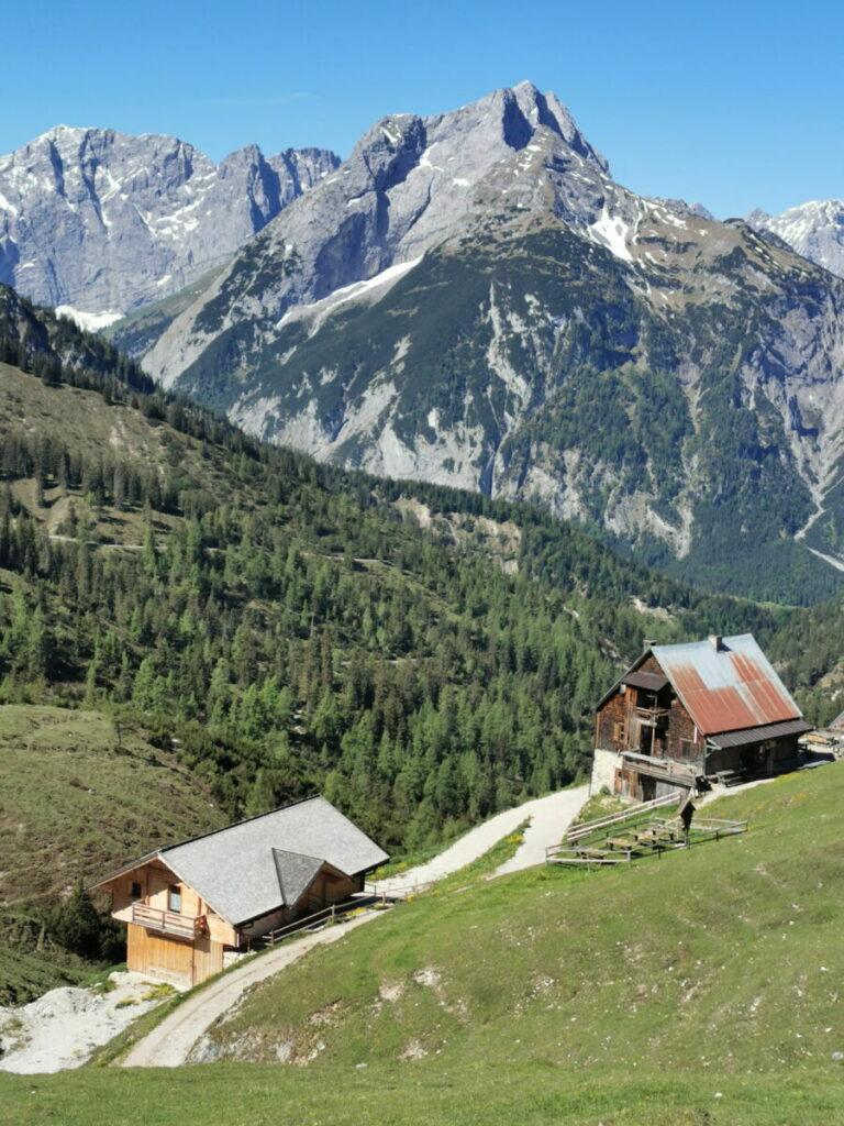 Die Plumsjochhütte hat eine 1a Aussichtslage im Karwendel