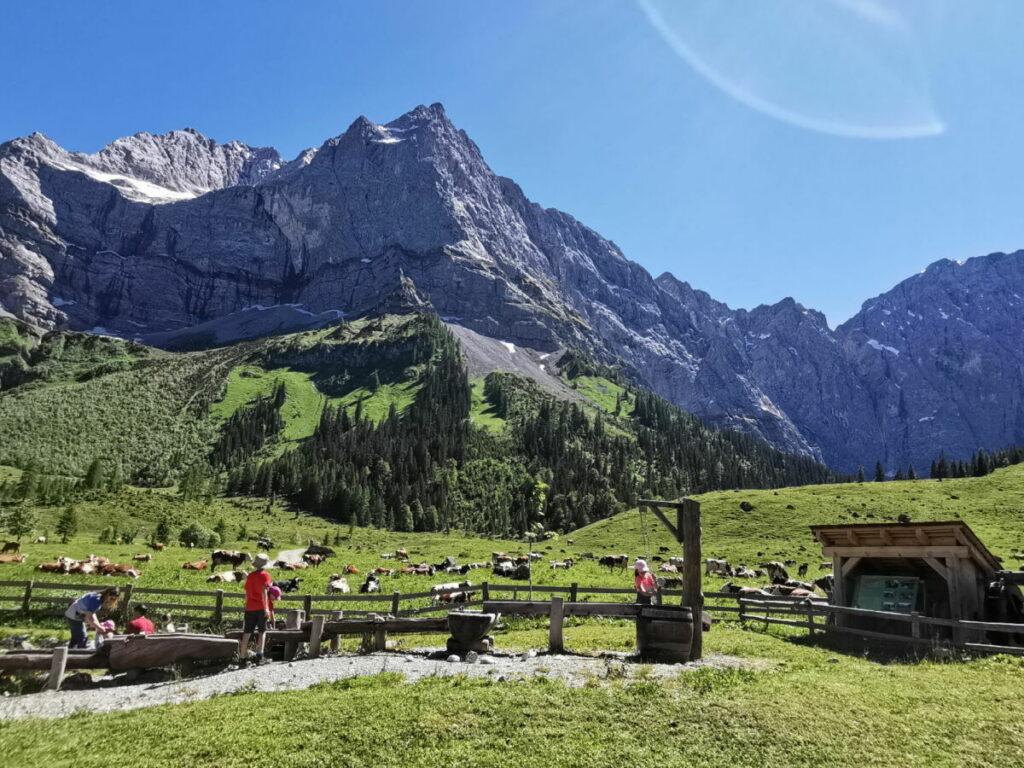 Ein Muss am Ahornboden mit Kindern - der riesige Spielplatz mitten in den Bergen