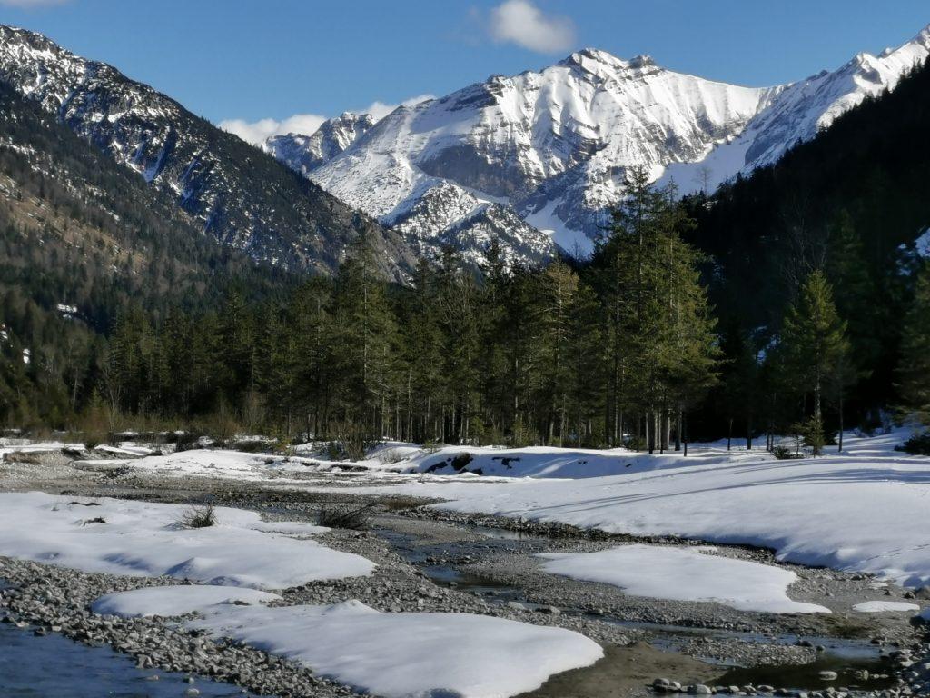 Winterwandern Risstal - toller Ausblick bei der Brücke