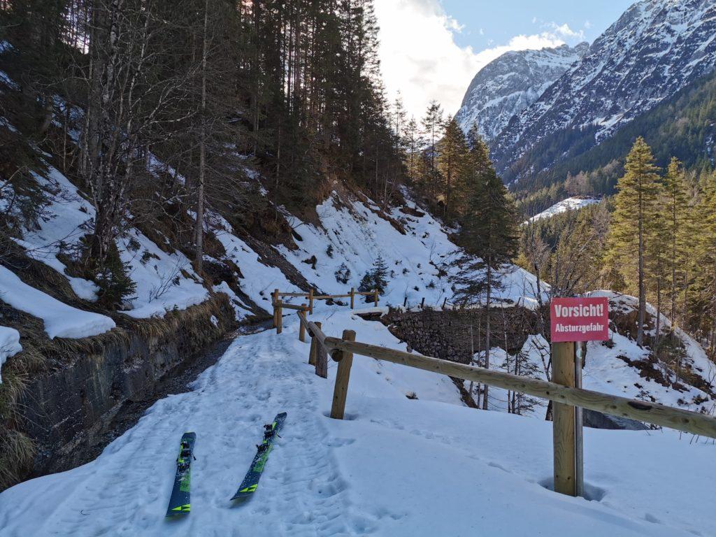 Winterwanderung Hinterriss durch die Klamm ins Johannestal